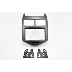 KIT 2 DIN CHEVROLET AVEO 10/2011 GRIS METAL